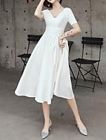 cheap -A-Line V Neck Knee Length Satin Minimalist / White Graduation / Cocktail Party Dress with Pleats 2020