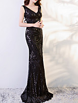 cheap -Sheath / Column V Neck Sweep / Brush Train Polyester Sexy / Black Engagement / Formal Evening Dress with Sequin / Appliques 2020