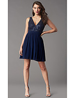 cheap -A-Line Glittering Flirty Homecoming Cocktail Party Dress V Neck Sleeveless Short / Mini Chiffon with Pleats Sequin 2020