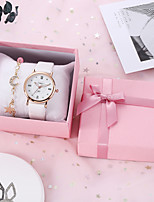 cheap -Women's Quartz Watches Cubic Zirconia Classic Fashion White PU Leather Quartz White Chronograph Casual Watch Cool 1 set Analog / Imitation Diamond