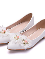 cheap -Women's Flats Fall & Winter Block Heel Pointed Toe Sweet Minimalism Wedding Party & Evening Rhinestone / Satin Flower / Sparkling Glitter Solid Colored PU White