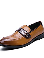 cheap -Men's Spring / Fall Business / British Wedding Party & Evening Loafers & Slip-Ons Walking Shoes Faux Leather Non-slipping Wear Proof Light Brown / Black