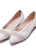 cheap -Women's Flats Fall & Winter Block Heel Pointed Toe Wedding Party & Evening Rhinestone / Imitation Pearl / Sparkling Glitter Solid Colored PU White