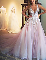 cheap -A-Line Floral Luxurious Engagement Formal Evening Dress V Neck Sleeveless Court Train Tulle with Pleats Appliques 2020