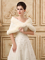 cheap -Short Sleeve Shawls Faux Fur Wedding Women's Wrap With Lace / Appliques / Crystal Brooch