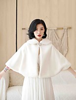 cheap -Long Sleeve Capes Faux Fur Wedding / Party / Evening Women's Wrap With Crystal Brooch