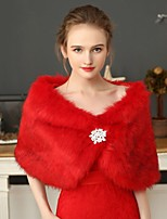 cheap -Short Sleeve Shawls Faux Fur Wedding Women's Wrap With Lace / Crystal Brooch