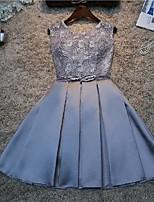 cheap -A-Line Glittering Elegant Homecoming Party Wear Dress Jewel Neck Sleeveless Short / Mini Lace with Sash / Ribbon Pleats 2020