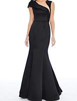 cheap -Mermaid / Trumpet Minimalist Elegant Engagement Formal Evening Dress Illusion Neck Sleeveless Sweep / Brush Train Satin with Pleats 2021