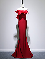 cheap -Mermaid / Trumpet Minimalist Elegant Wedding Guest Formal Evening Dress Strapless Sleeveless Sweep / Brush Train Stretch Fabric with Sleek 2020