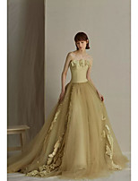 cheap -Ball Gown Elegant Vintage Prom Formal Evening Dress Strapless Sleeveless Court Train Tulle with Ruffles Appliques 2021