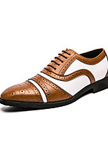 cheap -Men's Oxfords Brogue Bullock Shoes Business Vintage Classic Daily Party & Evening Walking Shoes Patent Leather Cowhide Breathable Handmade Non-slipping Booties / Ankle Boots Black and White White