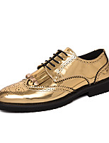 cheap -Men's Oxfords Formal Shoes Brogue Classic British Wedding Party & Evening Walking Shoes Patent Leather Non-slipping Black Gold Fall Spring / Tassel