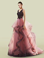 cheap -A-Line Luxurious Elegant Engagement Formal Evening Dress V Neck Sleeveless Sweep / Brush Train Lace Tulle with Appliques 2021