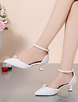 cheap -Women's Wedding Shoes Pumps Pointed Toe Wedding Pumps Party Wedding PU Imitation Pearl Buckle Solid Colored White Beige