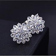 Mulheres Zircônia cúbica Brincos Curtos 3D Flor Doce Fashion Pedaço de Platina Imitações de Diamante Brincos Jóias Prata Para Diário Trabalho 1 par