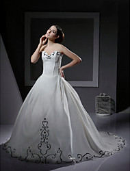 cheap -Ball Gown Wedding Dresses Sweetheart Neckline Strapless Chapel Train Organza Satin Sleeveless Wedding Dress in Color with 2021