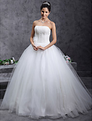 cheap -Ball Gown Wedding Dresses Strapless Floor Length Tulle Sleeveless with Beading Flower 2021
