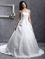 cheap -Ball Gown Wedding Dresses Sweetheart Neckline Chapel Train Lace Satin Strapless with Lace Sash / Ribbon Beading 2021