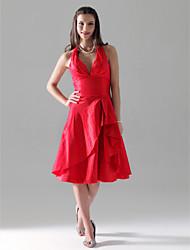 cheap -Princess / A-Line Halter Neck / V Neck Knee Length Taffeta Bridesmaid Dress with Ruffles / Side Draping