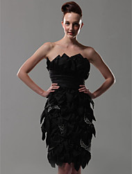 cheap -Sheath / Column Homecoming Cocktail Party Dress Strapless Sleeveless Knee Length Satin with Side Draping Crystal Brooch 2021