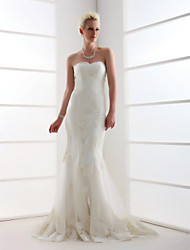 cheap -Mermaid / Trumpet Wedding Dresses Sweetheart Neckline Sweep / Brush Train Lace Over Tulle Strapless with Beading Appliques 2020