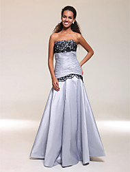 cheap -Ball Gown Open Back Prom Formal Evening Military Ball Dress Scalloped Neckline Strapless Sleeveless Floor Length Taffeta with Lace Ruched 2020