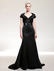 cheap -Sheath / Column Elegant All Celebrity Styles Inspired by Golden Globe Formal Evening Dress Queen Anne V Neck Short Sleeve Court Train Satin with Sash / Ribbon Bow(s) Crystal Brooch 2020
