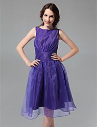 cheap -Princess / A-Line Bateau Neck Knee Length Organza / Taffeta Bridesmaid Dress with Flower