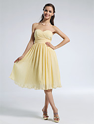 cheap -A-Line Strapless / Sweetheart Neckline Knee Length Chiffon Bridesmaid Dress with Pleats / Ruched / Draping / Open Back