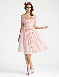 cheap -A-line Strapless Knee-length Chiffon Bridesmaid Dress With Flower