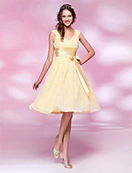 cheap -Ball Gown Homecoming Graduation Cocktail Party Dress V Neck Sleeveless Knee Length Chiffon with Sash / Ribbon Bow(s) Ruched 2021