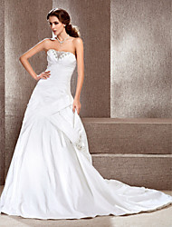 cheap -Princess A-Line Wedding Dresses Sweetheart Neckline Strapless Court Train Taffeta Sleeveless with Pick Up Skirt Beading Appliques 2021