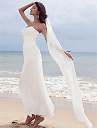 cheap -Sheath / Column Wedding Dresses Sweetheart Neckline Ankle Length Chiffon Strapless Formal Beach Plus Size with Ruched Beading 2021