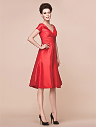 cheap -A-Line Mother of the Bride Dress Elegant V Neck Knee Length Taffeta Short Sleeve with Criss Cross Ruched 2021