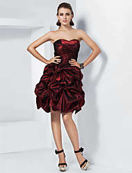 cheap -Ball Gown Homecoming Cocktail Party Wedding Party Dress Sweetheart Neckline Strapless Sleeveless Short / Mini Taffeta with Pick Up Skirt Ruched 2021