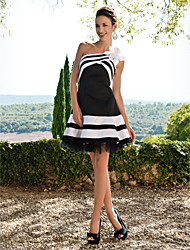 cheap -A-Line Color Block Black Homecoming Cocktail Party Dress One Shoulder Sleeveless Short / Mini Satin with Appliques 2020