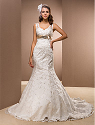 cheap -Mermaid / Trumpet Wedding Dresses V Neck Court Train Satin Sleeveless Sparkle & Shine with 2020