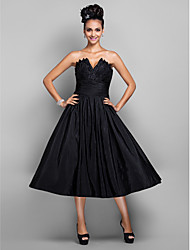 cheap -Ball Gown Elegant Little Black Dress Minimalist Cocktail Party Prom Dress V Wire Sleeveless Tea Length Taffeta with Pleats 2020