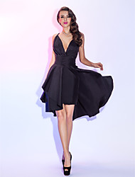 cheap -A-Line Sexy Black Homecoming Cocktail Party Dress V Neck Sleeveless Short / Mini Taffeta with Pleats Overskirt 2020