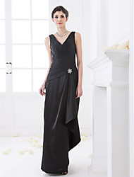 cheap -Sheath / Column V Neck Floor Length Stretch Satin Bridesmaid Dress with Criss Cross / Side Draping / Crystal Brooch