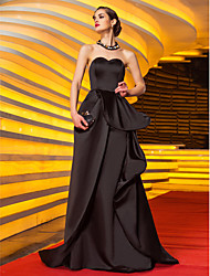cheap -A-Line Sweetheart Neckline Sweep / Brush Train Satin Celebrity Style Prom / Formal Evening / Military Ball Dress with Appliques / Sash / Ribbon / Pleats 2020