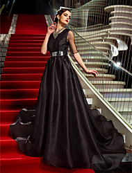 cheap -A-Line Celebrity Style Inspired by Emmy Open Back Formal Evening Military Ball Dress Jewel Neck Half Sleeve Court Train Organza with Crystals 2020