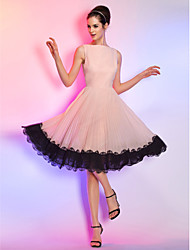 cheap -A-Line Boat Neck Knee Length Chiffon / Corded Lace Cute / Pastel Colors Cocktail Party / Homecoming Dress with Lace Insert 2020
