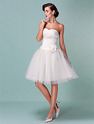 cheap -Ball Gown Sweetheart Neckline Knee Length Tulle Strapless Little White Dress Made-To-Measure Wedding Dresses with Sash / Ribbon / Flower / Criss-Cross 2020