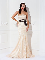 cheap -Mermaid / Trumpet Elegant Celebrity Style Formal Evening Military Ball Black Tie Gala Dress Strapless Sleeveless Sweep / Brush Train Lace with Sash / Ribbon Draping 2020