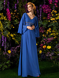 cheap -A-Line V Neck Floor Length Chiffon Long Sleeve Vintage Inspired Mother of the Bride Dress with Crystals / Beading / Side Draping 2020 / Bell Sleeve
