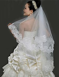 cheap -One-tier Lace Applique Edge Wedding Veil Fingertip Veils with 59.06 in (150cm) Tulle