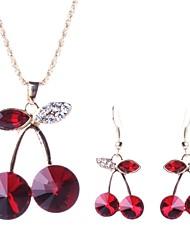 Недорогие -ювелирные изделия вишня мода кристалл установлен женский (в том числе ожерелья серьги)