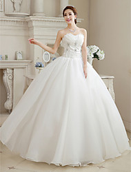 cheap -Ball Gown Wedding Dresses Sweetheart Neckline Floor Length Organza Strapless Glamorous Sparkle & Shine with Beading Flower 2020